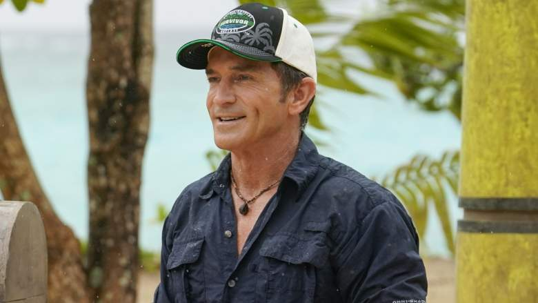 Jeff Probst on the set of 'Survivor'