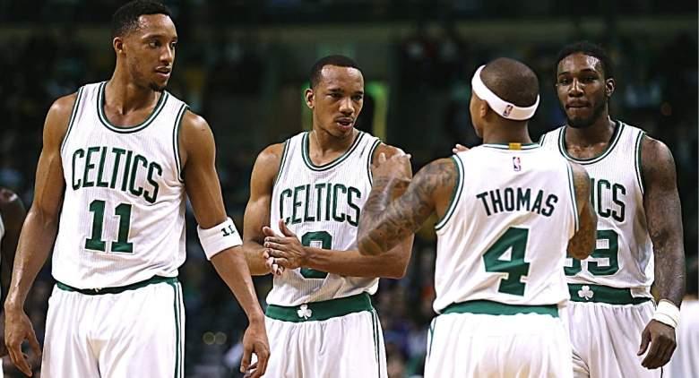 Warriors sign Avery Bradley over Isaiah Thomas