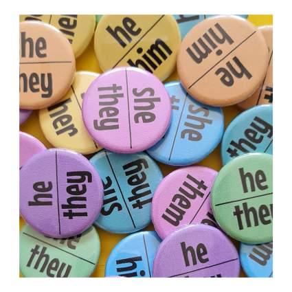 Pronoun buttonns